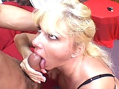 Mature blonde gets her pink pussy licked and nibbled